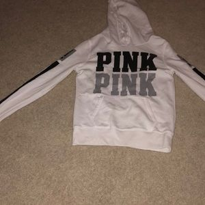Great condition victorious secret pink hoodie!!